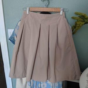 Euc Uniqlo pleated skirt